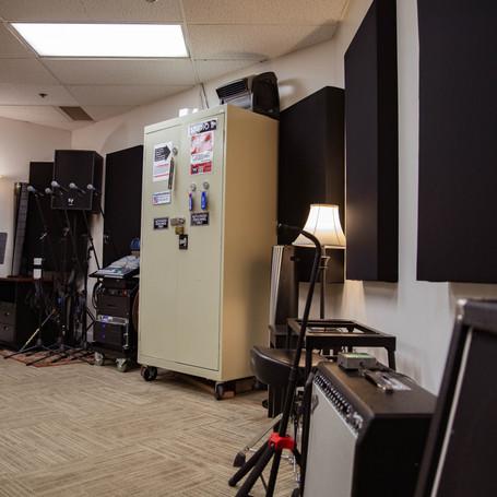 Studio B mic locker