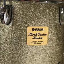 Yamaha Birch Custom Absolute drum badge