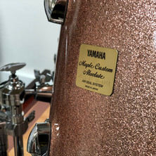 Yamaha Maple Custom Absolute drum badge
