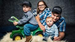Familie_Holdener_Fässler_Mai_2020_21.jpg