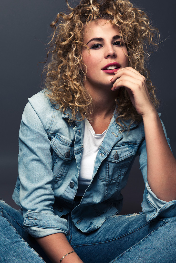 Chanelle_Portrait_Jeans_Fashion.jpg