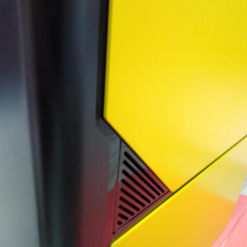 Yellowpic D.jpg