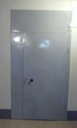 Тамбурная дверь