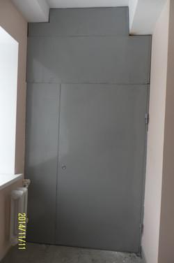 Дверь на мусоропровод