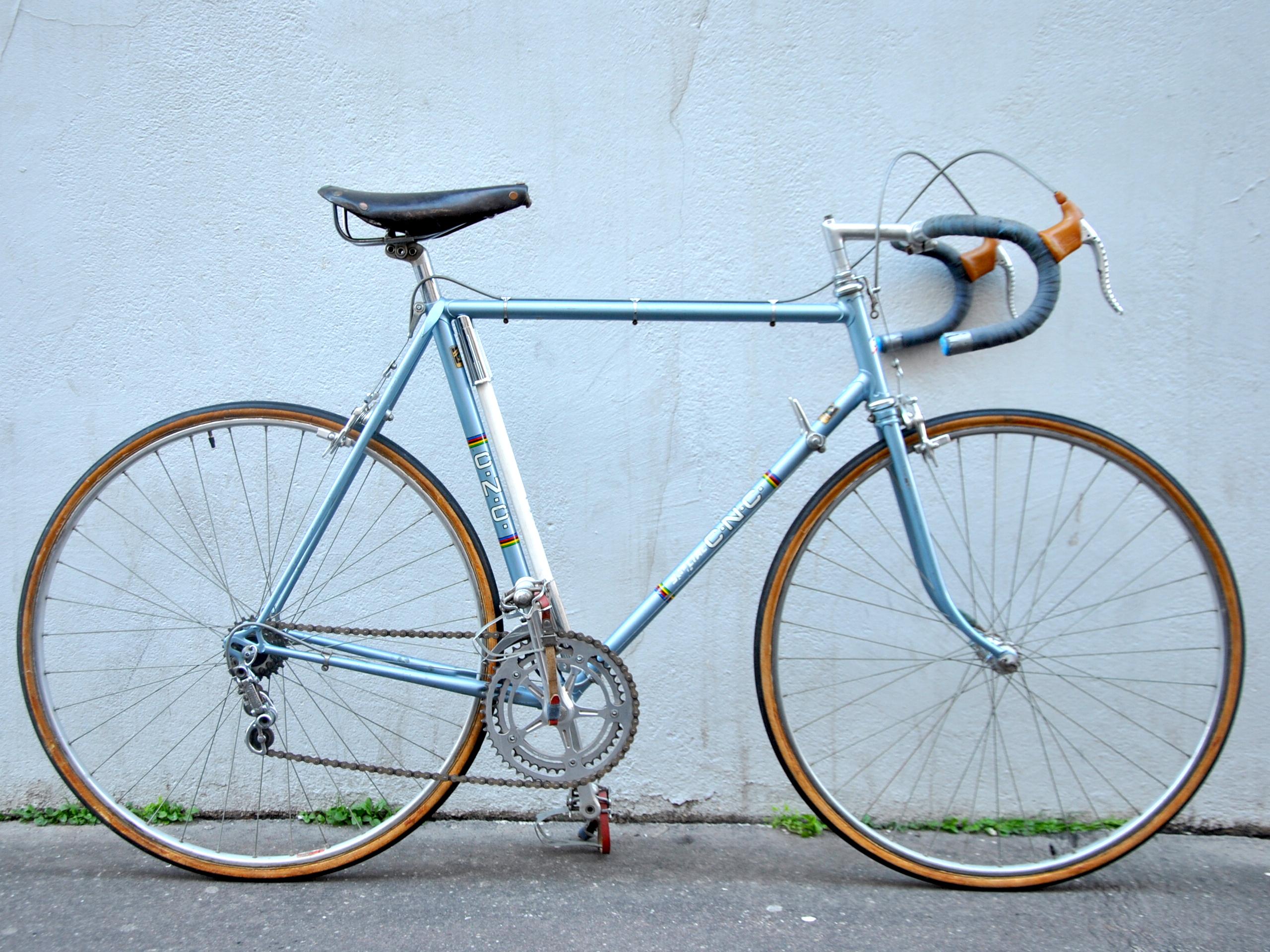 Vélo de course Special cnc sur mesure