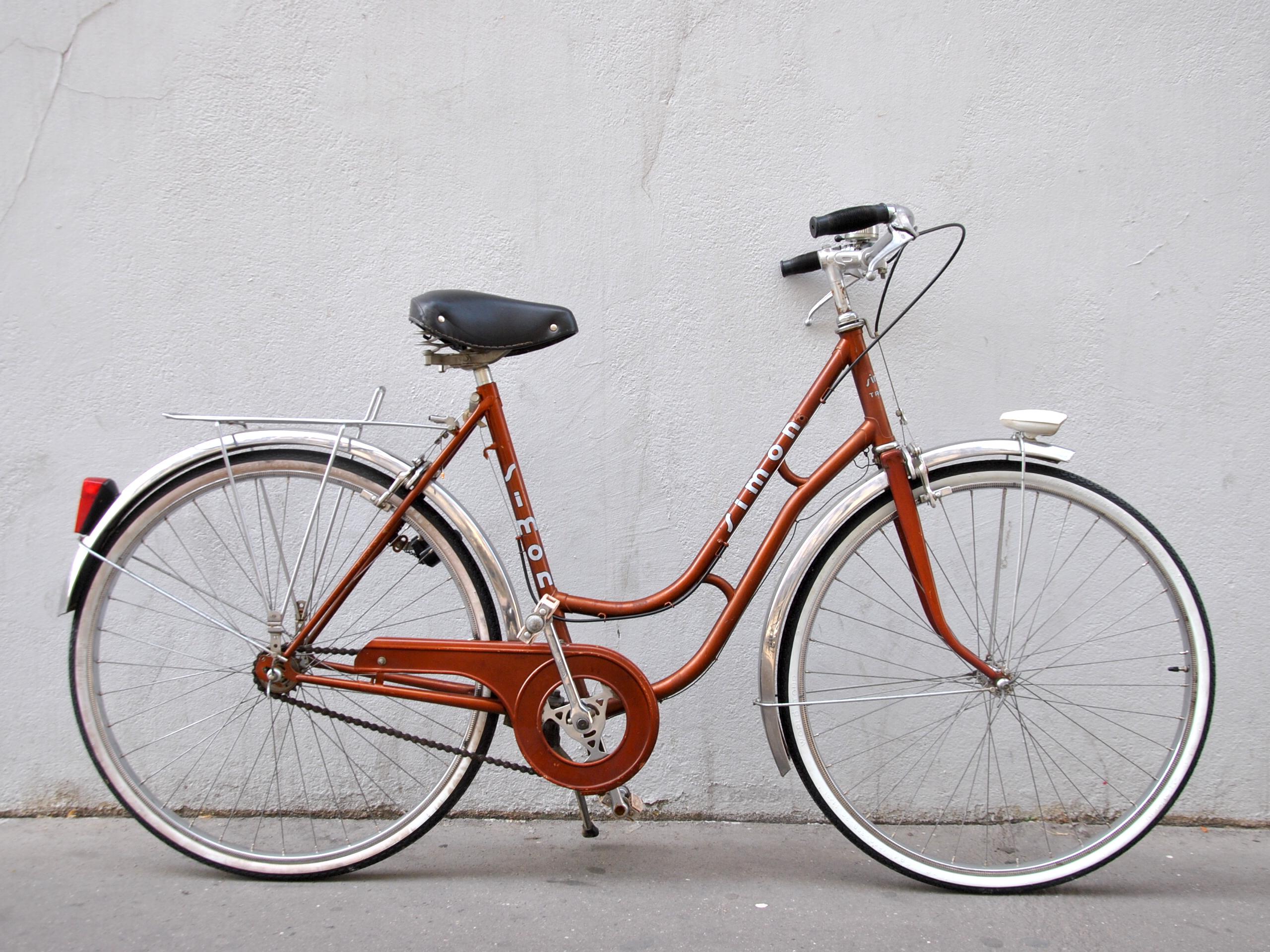Vélo de ville femme type hollandais