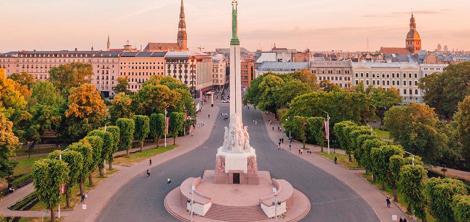 Latvia-Riga-Indipendance-Statue-Depositp