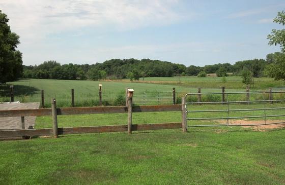 Hist farm hse loc field 7-2103.jpg