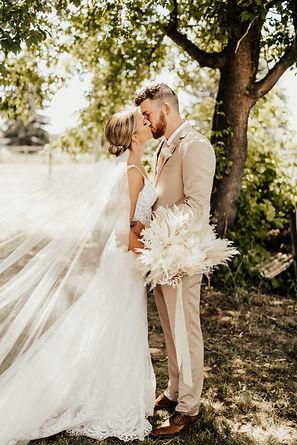 k&b-weddingpreviews-12.jpg