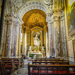 church-2034242_1920_edited.jpg