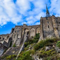 mont-saint-michel-2489375_1920_edited.jpg