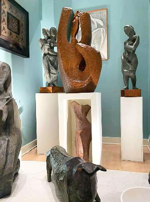 NHAC-Robert-Hughes-sculptures-2_edited.p