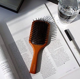 AVEDA Paddle Brush 按摩木梳
