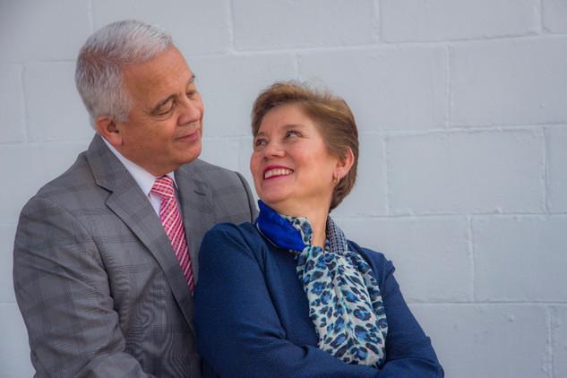 PASTORES CARLOS Y OLIVIA FERNANDEZ