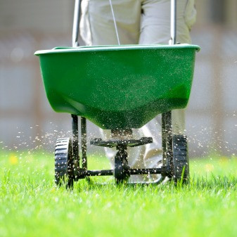 Preparing Your Lawn for Winter & Benefits of Late Fall Fertilization in Cool Season Grasses