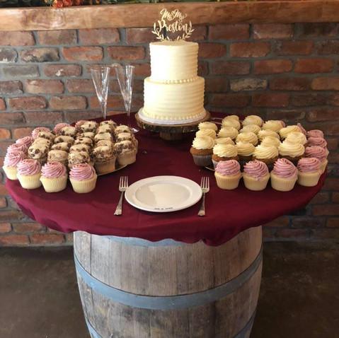 Barrel Cake Table