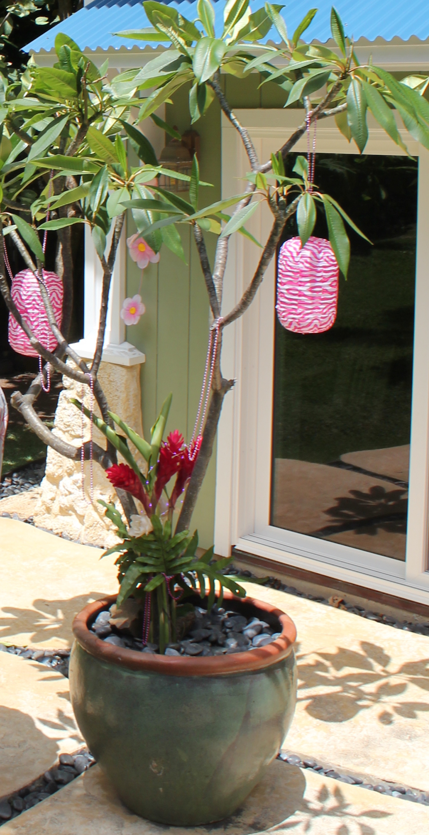 Island Parties - Baby Luau Girl Decorations.jpeg