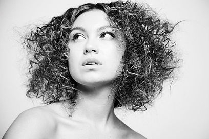 Plume Studio Curly Hair by Maria Mount