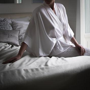 White Silk Kimono LL in Capri