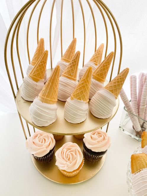 mini cake cones