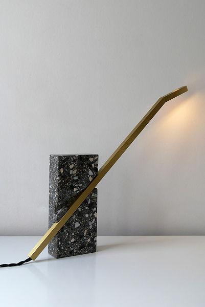 Goderis Jan_LINE 2 table lamp_Copyr ph P