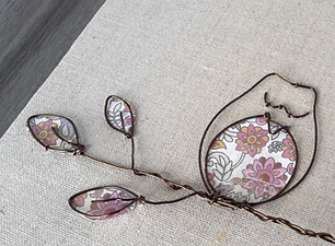 6+ - Sculpture wire and fabric on canvas