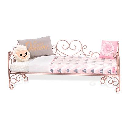 Accessoires OG - Lit coeurs  Scrollwork Bed pour poupée de 46 cm