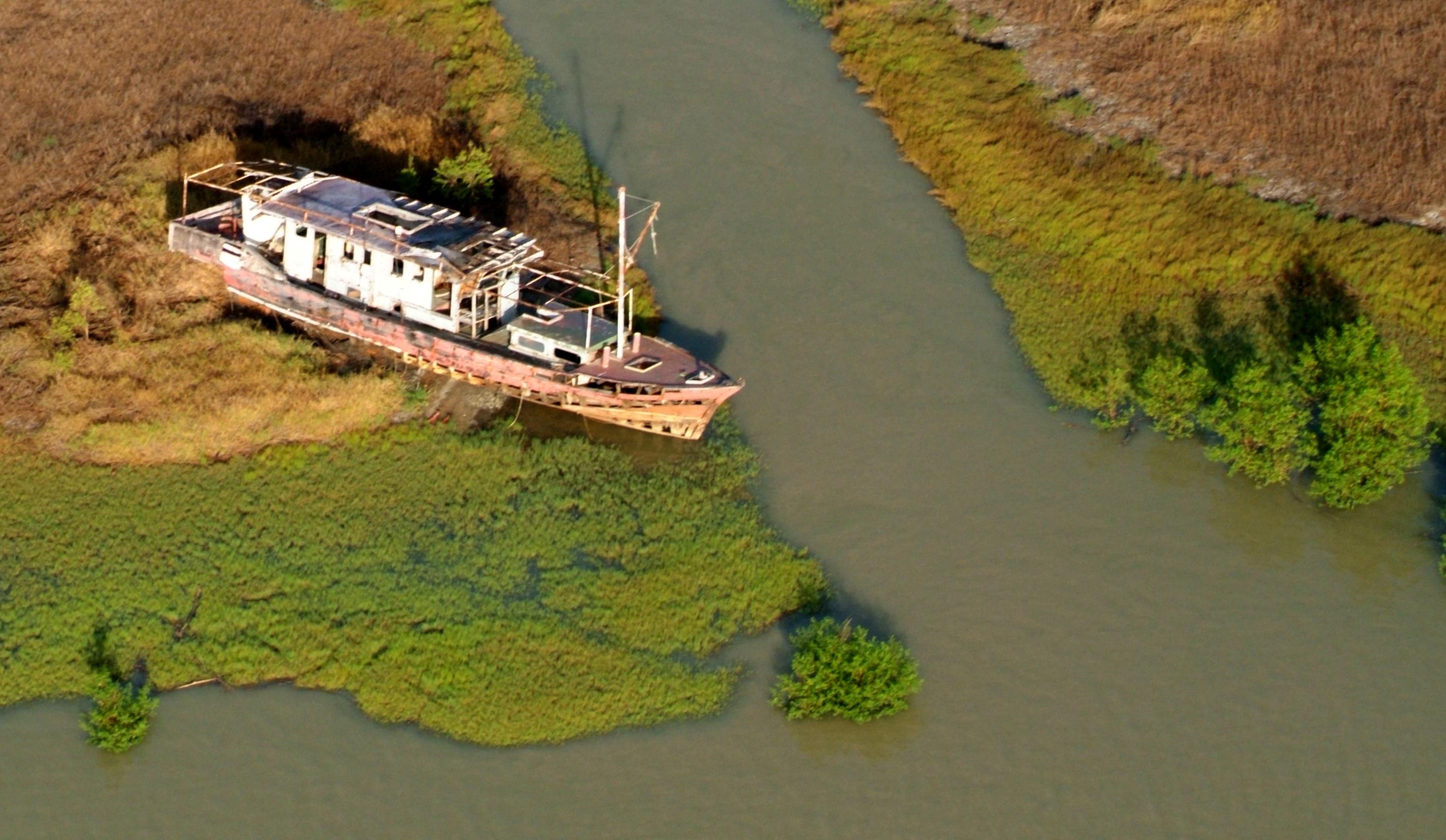 Mary River Stranded Boat