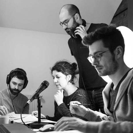 L'équipe en studio