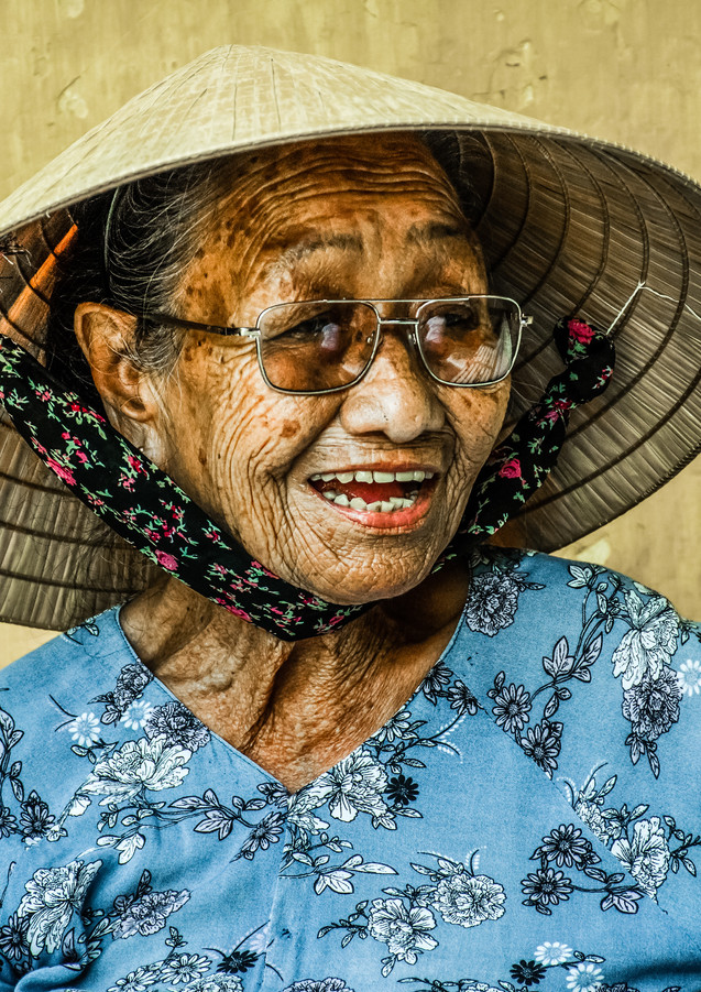 Old Lady - Hoi An