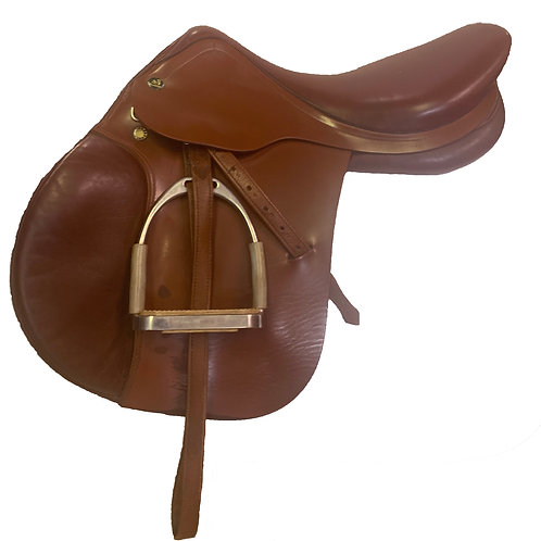 """Prestige 18"""" Red Fox Saddle with Fittings"""