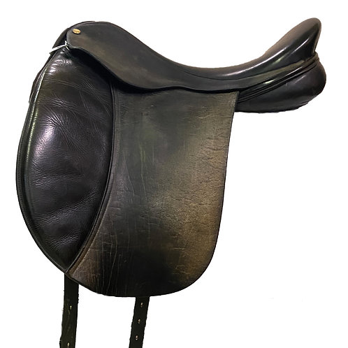"Frank Baines 18"" Capriole Dressage Saddle"