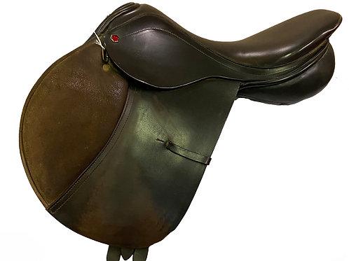 "Albion Close Contact 17.5"" Saddle"