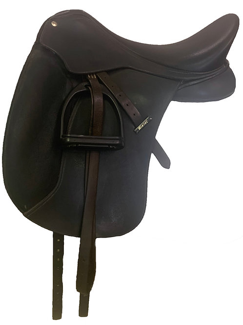 "Wintec Black 17"" Dressage Saddle"