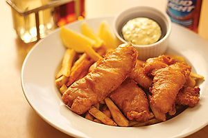 Crispy Fish & Chips with tartar sauce