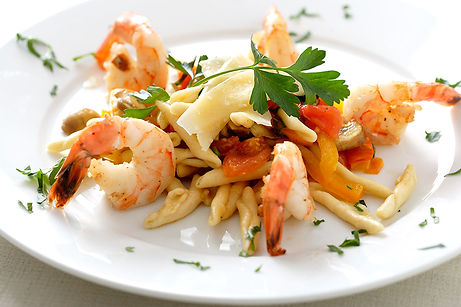 Gemelli pasta with shrimp, peppers and mushrooms