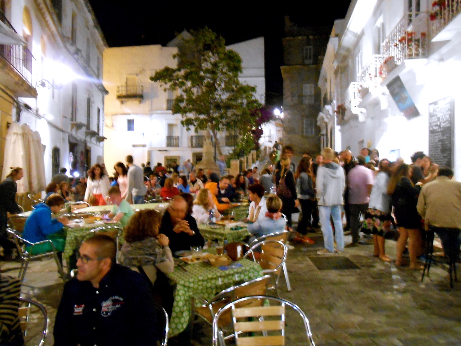 Tarifa night life