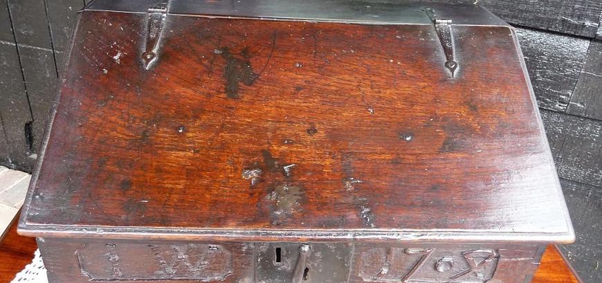 1704  Dated Oak Box