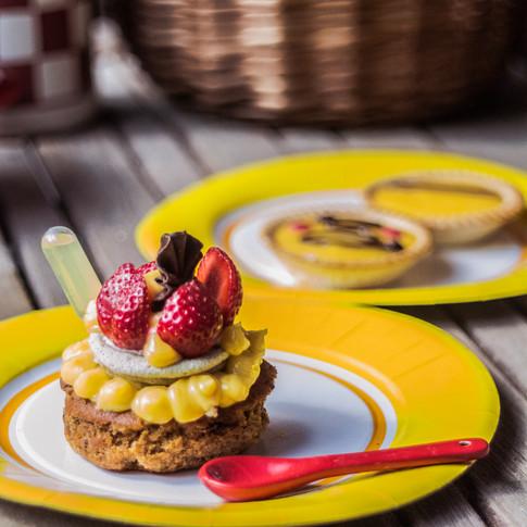 Strawberry and lemon cake with a lemoncello shot