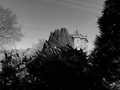 chateau de pres.jpg