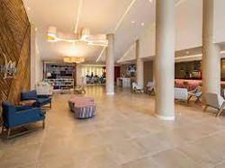 Hotel Mercure Lobby