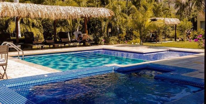 casa verano - pool & jacuzzi.jpeg