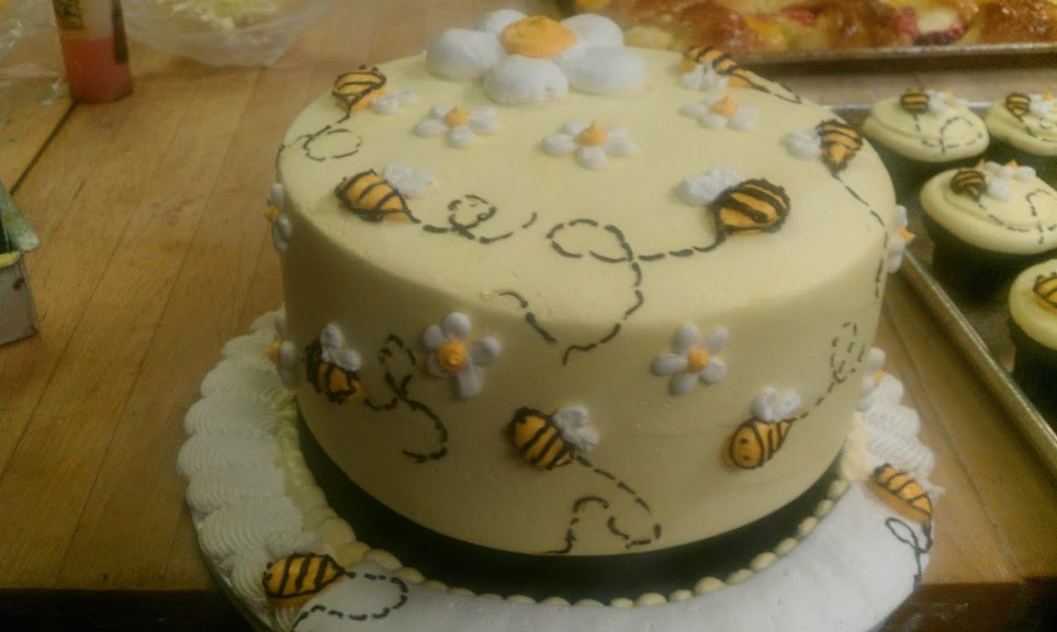 buzzing bees cake.jpg