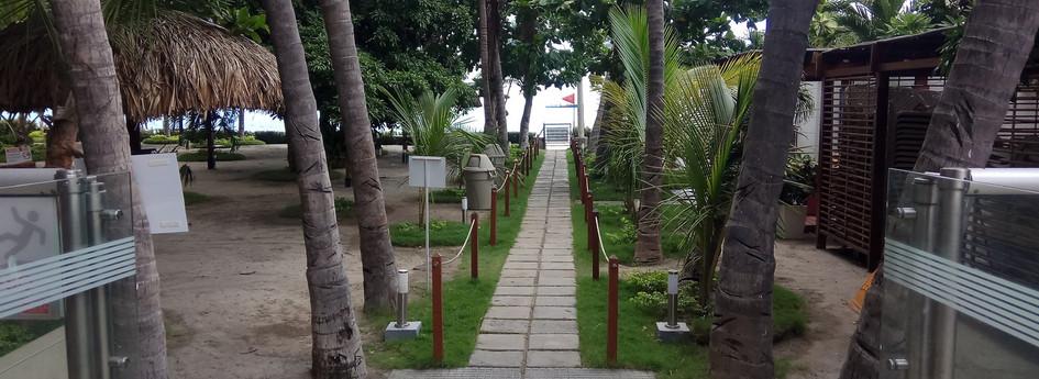 RDM 104 M2-beach access private.jpg