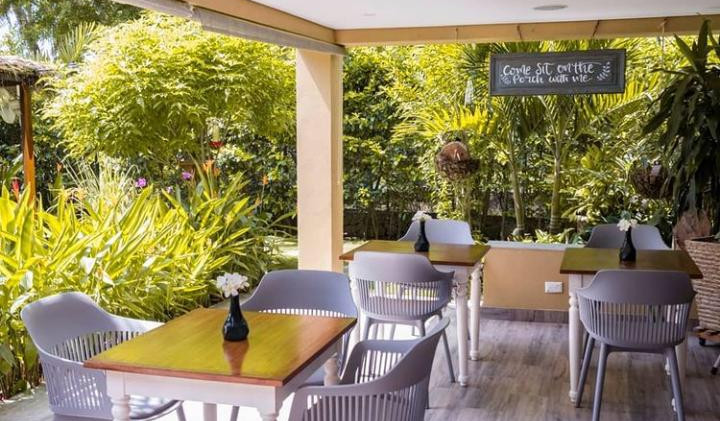 casa verano - garden table & chairs.jpeg