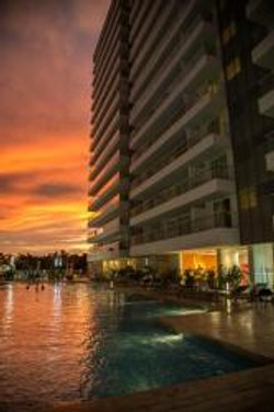 Hotel Mercure Pool - Building