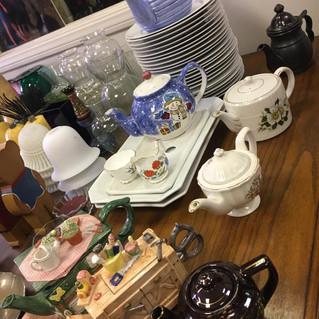 tea pots - dishes.jpeg