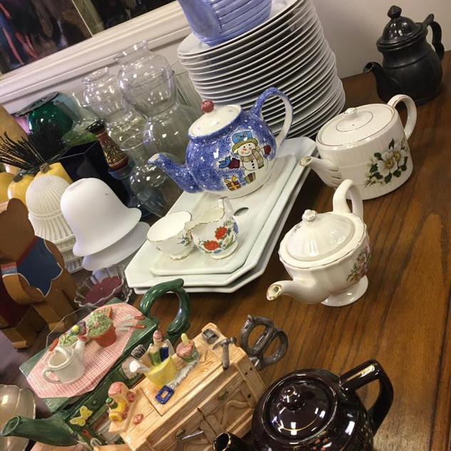 tea pots - dishes.jpeg
