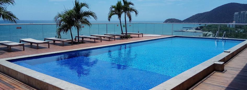 RDM 104 M2-7th floor pool 2.jpg