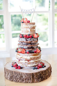 naked-wedding-cake-the-green_001.jpg